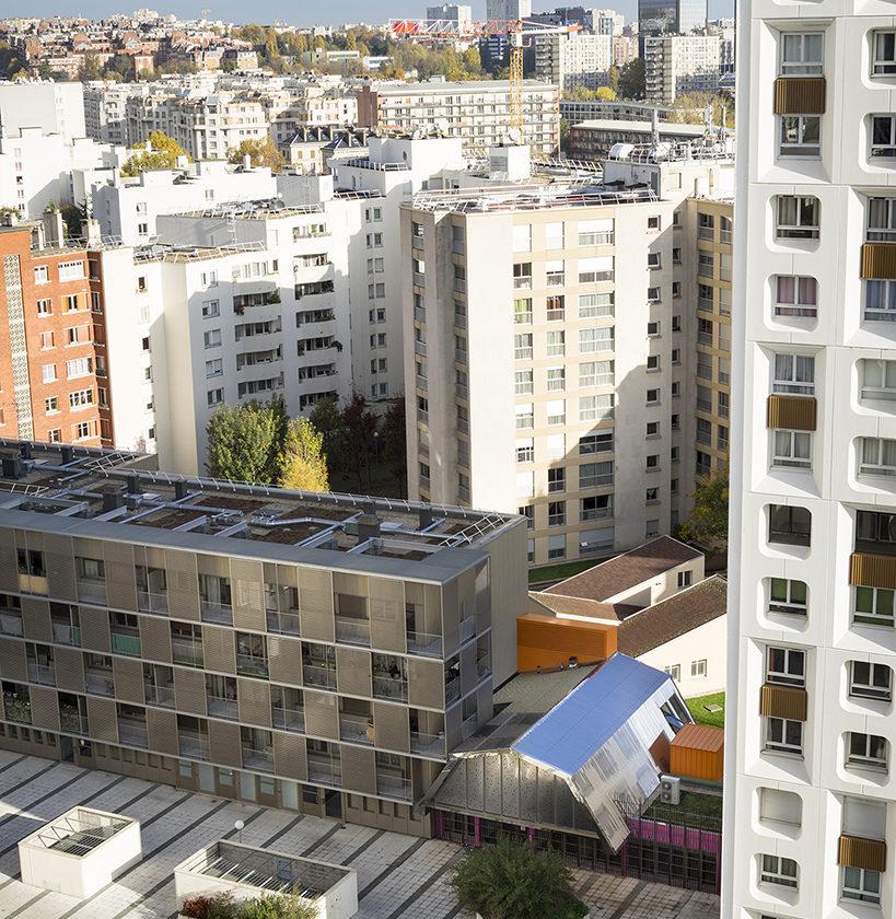 Béton peint, bois(chataignier), verre, inox sont les principales matières de ce projet.En partenariat avec la Ville de Paris et France Habitation, le projet prend place dans le quartier Saint-Blaise.Il est inscrit au Grand Projet de Renouvellemnt Urbain de Paris